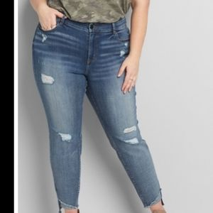 Lane Bryant NWT signature fit skinny jeans size 26